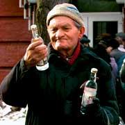 Мужик с алкоголем